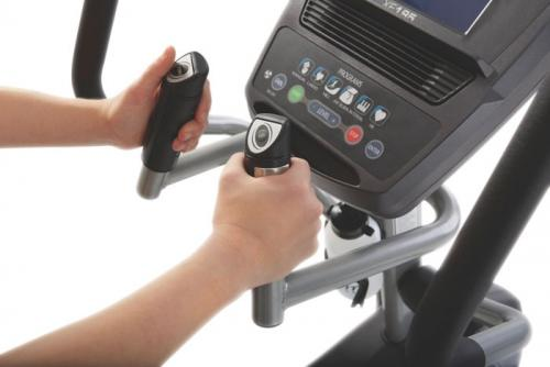 Elliptical Cross Trainer Spirit XE195 handles